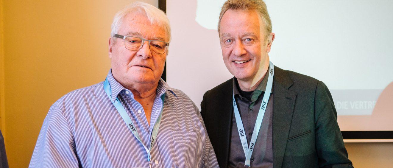 Ehrenmitglied Peter Maciejewski mit Präsident Jochen Szech